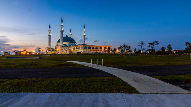 Bandar Dato Onn Mosque Building during sunset in Johor Bahru