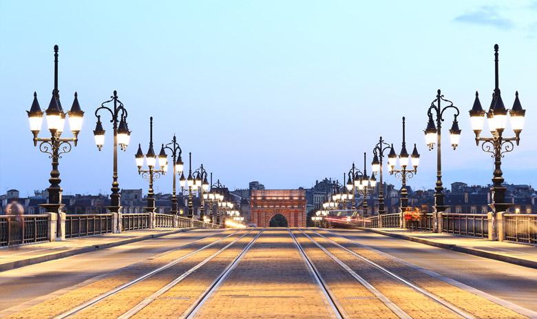 In front of Pont de Pierre in Bordeaux