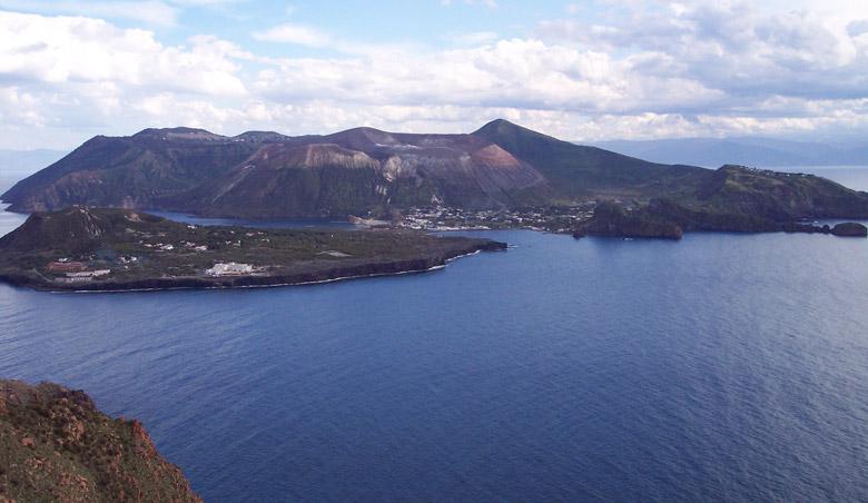 Scalata al Cratere in Sicily